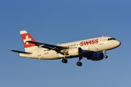 Frankspotterさんが、チューリッヒ空港で撮影したスイスインターナショナルエアラインズ A319-111の航空フォト(飛行機 写真・画像)