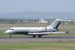 kitayocchiさんが、新千歳空港で撮影したプライベートエア BD-700-1A10 Global Expressの航空フォト(写真)