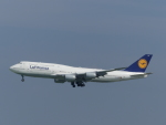 トタさんが、羽田空港で撮影したルフトハンザドイツ航空 747-830の航空フォト(飛行機 写真・画像)