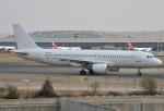 IL-18さんが、マドリード・バラハス国際空港で撮影したスマートリンクス・マルタ A320-214の航空フォト(写真)