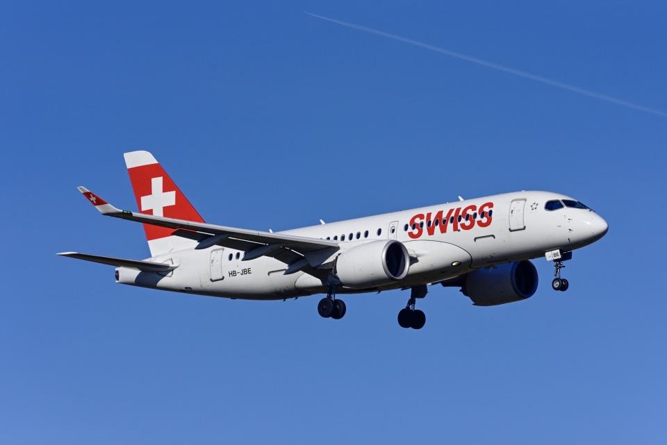 Frankspotterさんのスイスインターナショナルエアラインズ  Bombardier CS100 (HB-JBE) 航空フォト