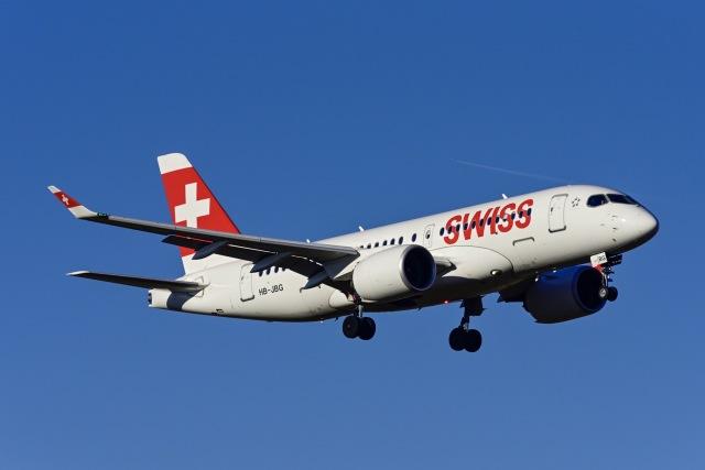 Frankspotterさんが、チューリッヒ空港で撮影したスイス航空 BD-500-1A10 CSeries CS100の航空フォト(飛行機 写真・画像)