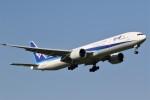 ドラパチさんが、成田国際空港で撮影した全日空 777-381/ERの航空フォト(写真)