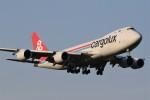 ドラパチさんが、成田国際空港で撮影したカーゴルクス 747-8R7F/SCDの航空フォト(写真)