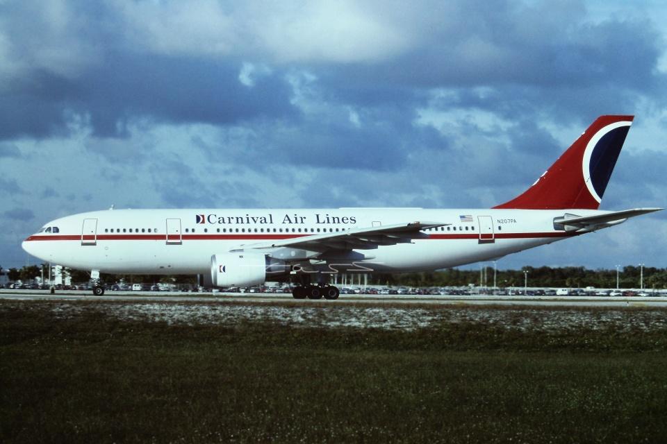tassさんのカーニバル・エアラインズ Airbus A300B4 (N207PA) 航空フォト