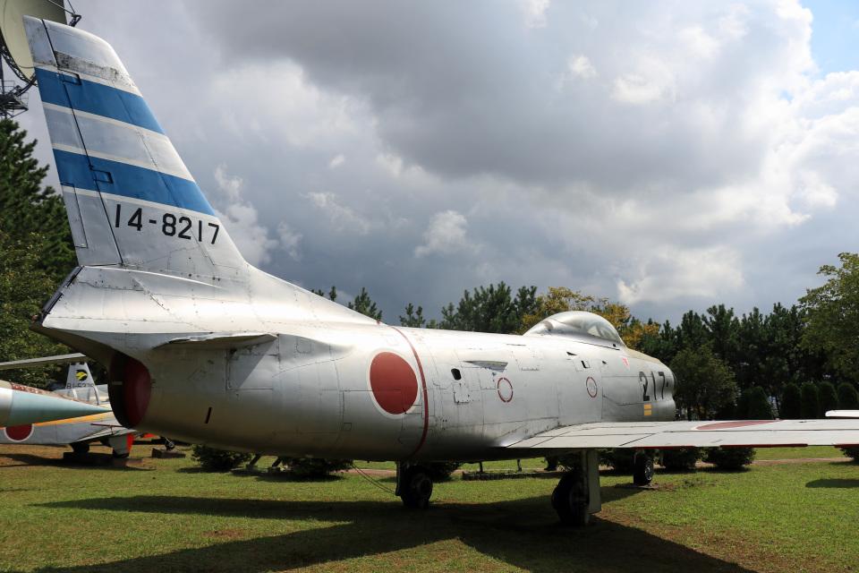 Wasawasa-isaoさんの航空自衛隊 North American F-86 Sabre (14-8217) 航空フォト