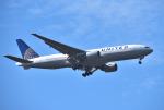 mojioさんが、成田国際空港で撮影したユナイテッド航空 777-222の航空フォト(飛行機 写真・画像)