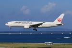 みるぽんたさんが、那覇空港で撮影した日本航空 777-246の航空フォト(写真)