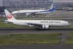 ぐっちーさんが、羽田空港で撮影した日本航空 777-246の航空フォト(写真)
