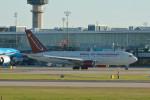小弦さんが、バンクーバー国際空港で撮影したオムニエアインターナショナル 767-224/ERの航空フォト(写真)