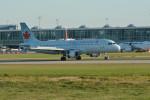 小弦さんが、バンクーバー国際空港で撮影したエア・カナダ A320-211の航空フォト(写真)