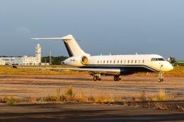 KAMIYA JASDFさんが、新千歳空港で撮影したPrivate owner BD-700-1A11 Global 5000の航空フォト(飛行機 写真・画像)
