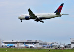 mojioさんが、成田国際空港で撮影したデルタ航空 777-232/LRの航空フォト(飛行機 写真・画像)