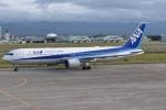 るかぬすさんが、小松空港で撮影した全日空 767-381/ERの航空フォト(写真)