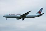 yoshibouさんが、成田国際空港で撮影したカンタス航空 767-375/ERの航空フォト(写真)