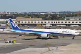 安芸あすかさんが、ジョン・F・ケネディ国際空港で撮影した全日空 777-381/ERの航空フォト(飛行機 写真・画像)