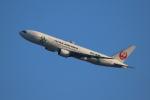 kaz787さんが、伊丹空港で撮影した日本航空 777-246の航空フォト(写真)