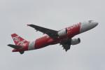kuro2059さんが、クアラルンプール国際空港で撮影したエアアジア A320-216の航空フォト(飛行機 写真・画像)