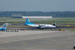 Gambardierさんが、アムステルダム・スキポール国際空港で撮影したアントノフ・エアラインズ An-12Bの航空フォト(写真)