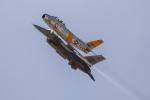 チャッピー・シミズさんが、ミラマー海兵隊航空ステーション で撮影したプレーンズ・オブ・フェイム F-86Fの航空フォト(写真)
