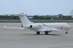 E-75さんが、函館空港で撮影したマン島企業所有 BD-700-1A10 Global Expressの航空フォト(写真)