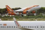 planetさんが、バルセロナ空港で撮影したイージージェット・ヨーロッパ A319-111の航空フォト(写真)