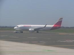 ヒロリンさんが、ザグレブ空港で撮影したイベリア航空 A320-251Nの航空フォト(飛行機 写真・画像)