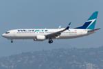 Tomo-Papaさんが、ロサンゼルス国際空港で撮影したウェストジェット 737-8CTの航空フォト(写真)