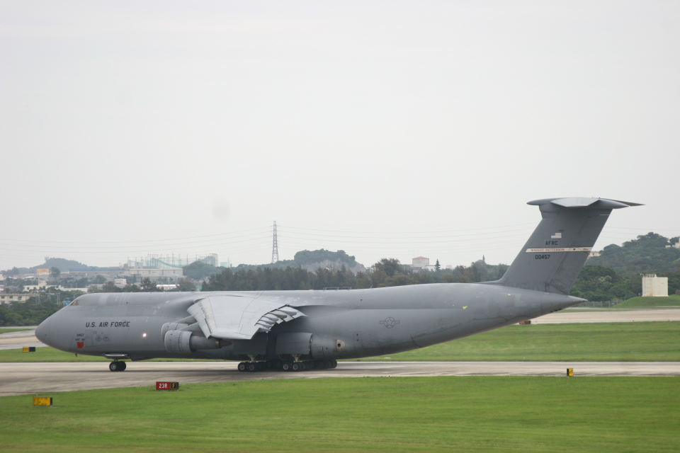 Mr.boneさんのアメリカ空軍 Lockheed C-5 Galaxy (70-0457) 航空フォト