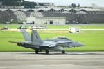 Mr.boneさんが、嘉手納飛行場で撮影したアメリカ海兵隊 F/A-18D Hornetの航空フォト(写真)