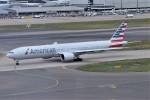 k-spotterさんが、ロンドン・ヒースロー空港で撮影したアメリカン航空 777-323/ERの航空フォト(写真)