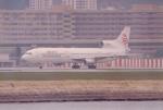 JA8037さんが、啓徳空港で撮影した香港ドラゴン航空 L-1011 TriStarの航空フォト(写真)