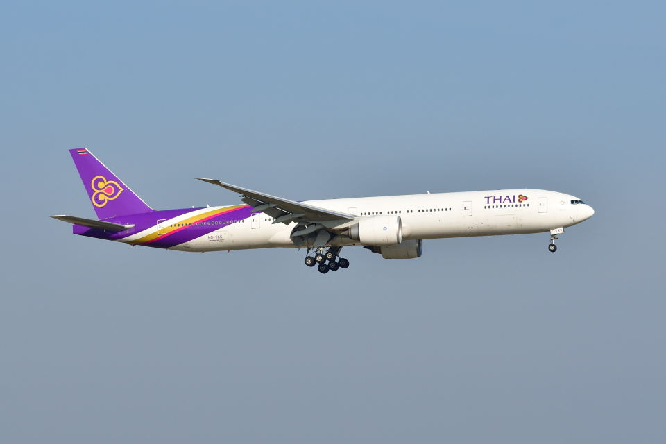 ポン太さんのタイ国際航空 Boeing 777-300 (HS-TKK) 航空フォト