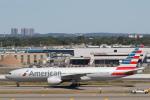 安芸あすかさんが、ジョン・F・ケネディ国際空港で撮影したアメリカン航空 777-223/ERの航空フォト(写真)