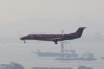 OS52さんが、香港国際空港で撮影したスパークル・ロール・ジェット EMB-135BJ Legacyの航空フォト(写真)