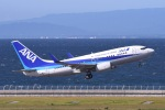 Jyunpei Ohyamaさんが、中部国際空港で撮影した全日空 737-781の航空フォト(写真)