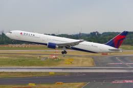 PASSENGERさんが、デュッセルドルフ国際空港で撮影したデルタ航空 767-432/ERの航空フォト(飛行機 写真・画像)