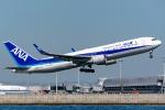 Ariesさんが、関西国際空港で撮影した全日空 767-381/ERの航空フォト(写真)