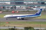 344さんが、福岡空港で撮影した全日空 767-381/ERの航空フォト(写真)
