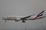 OS52さんが、香港国際空港で撮影したエミレーツ航空 777-F1Hの航空フォト(写真)