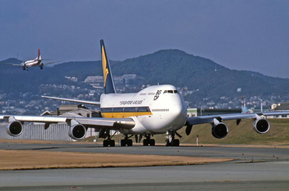 Gambardierさんのシンガポール航空 Boeing 747-300 (9V-SKM) 航空フォト
