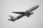 senbaさんが、羽田空港で撮影した日本航空 767-346の航空フォト(写真)