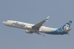 安芸あすかさんが、ロサンゼルス国際空港で撮影したアラスカ航空 737-990/ERの航空フォト(写真)