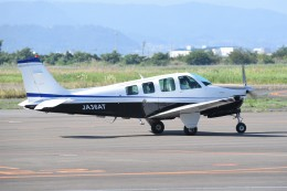 kumagorouさんが、仙台空港で撮影した日本法人所有 A36AT Bonanza 36の航空フォト(飛行機 写真・画像)