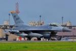 うとPさんが、横田基地で撮影したアメリカ空軍 F-16CM-40-CF Fighting Falconの航空フォト(写真)