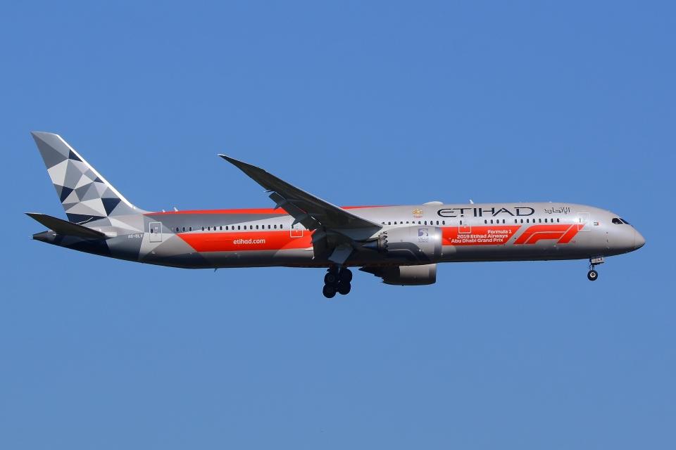 うとPさんのエティハド航空 Boeing 787-9 (A6-BLV) 航空フォト
