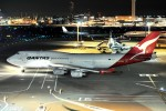 デデゴンさんが、羽田空港で撮影したカンタス航空 747-438の航空フォト(写真)