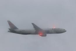 imosaさんが、羽田空港で撮影したデルタ航空 777-232/ERの航空フォト(写真)