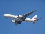 Blue605Aさんが、福岡空港で撮影した日本航空 777-246の航空フォト(写真)