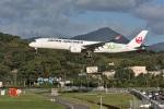 kan787allさんが、福岡空港で撮影した日本航空 A350-941XWBの航空フォト(写真)